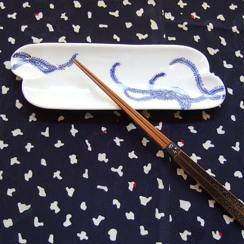 古伊万里 雲型蕨紋長皿(江戸時代 中期)