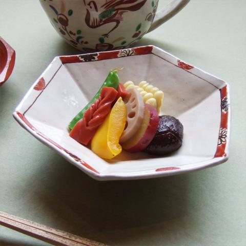 粉引赤ダミ丸紋亀甲鉢