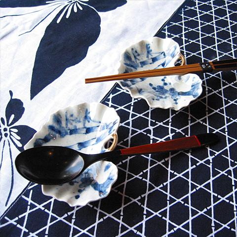 松竹梅紋ツワブキ型小皿