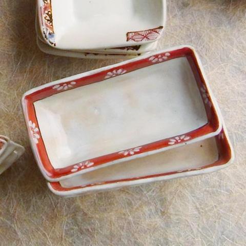 粉引き長方豆皿 花きしり