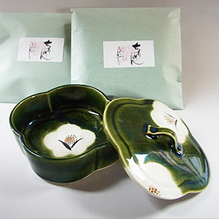 ちりめんしぐれドライ(2袋)と陶箱(織部椿)