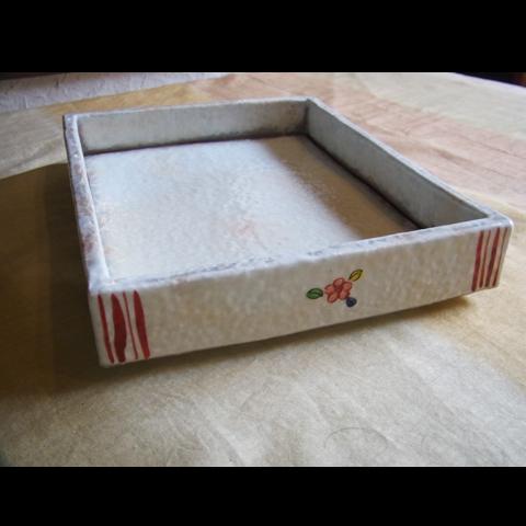 粉引長方箱皿 赤絵花鳥紋