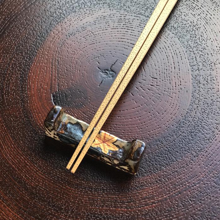 土灰釉雲錦 箸置き(大・小)