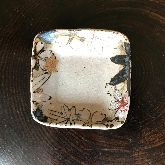 土灰釉雲錦正角豆皿